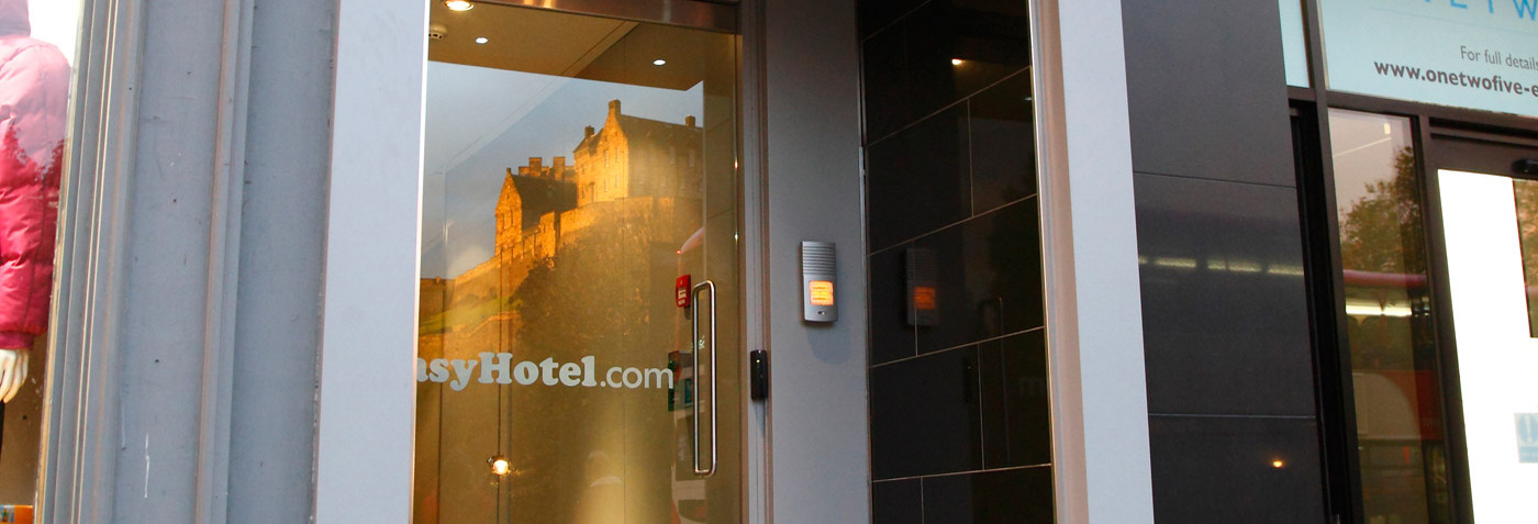 Book the cheapest and best Edinburgh city centre hotels and hotel deals at family friendly easyhotel Edinburgh Princes Street.